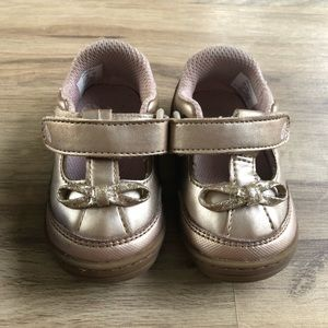Stride rite Mary Jane shoes size 3 rose gold